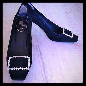 Roger Vivier black heels